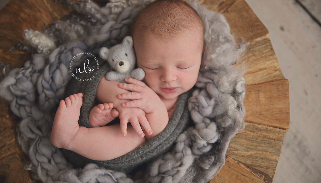 Chase 17 days | Sydney Newborn Photography